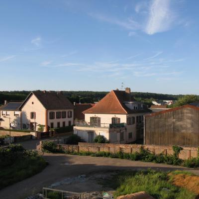 BouxwillerLes Jardins du Comte2eEtageVueN-E Vosges20190608