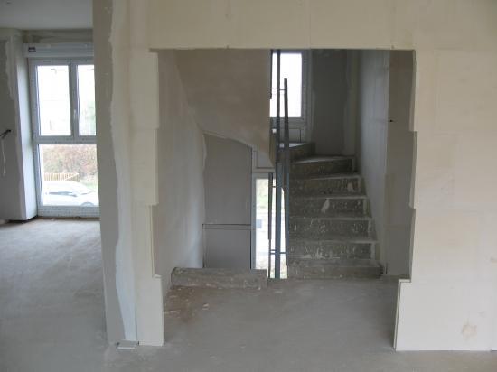 Cage d'escalier: travaux plâtrerie