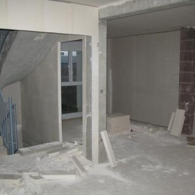 Escalier/Cuisine RdJ: Plâtrerie en cours